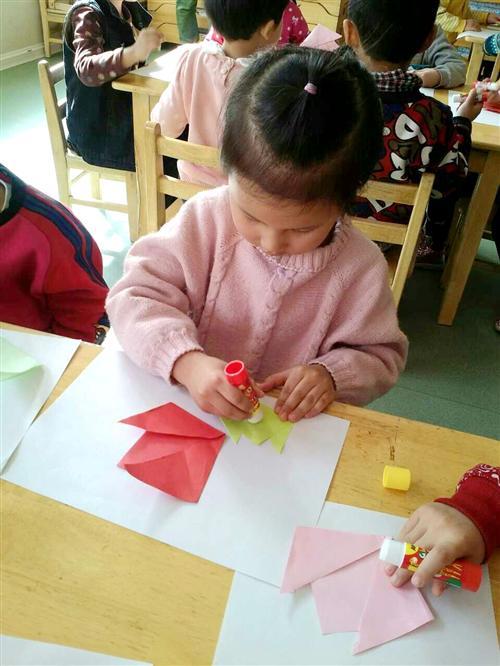 感恩幼儿园中班手工制作图片